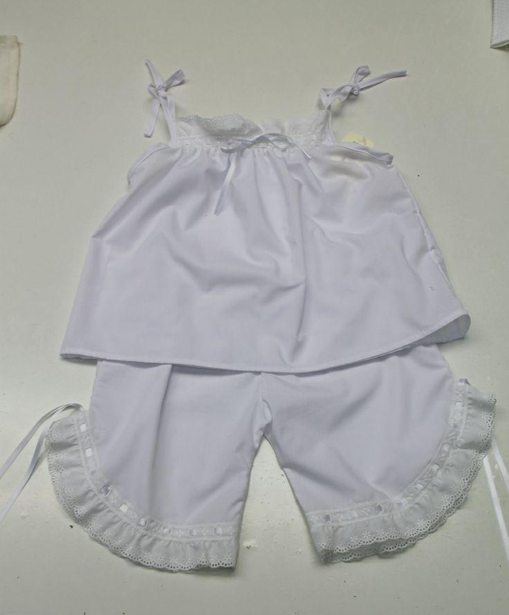 Pijama Sisi. 100% algodón. Disponible en diferentes colores y tallas. A partir de 35€