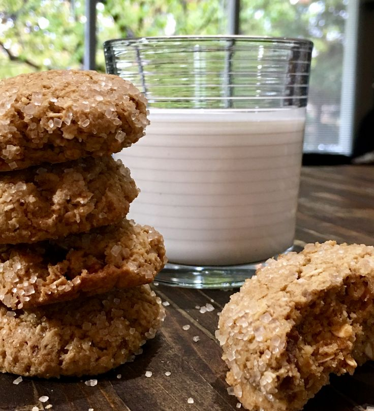 Chewy and Crunchy Glute Free Chcolate Chip Oatmeal Cookies.  What could be better for your kids!  Love 'em!