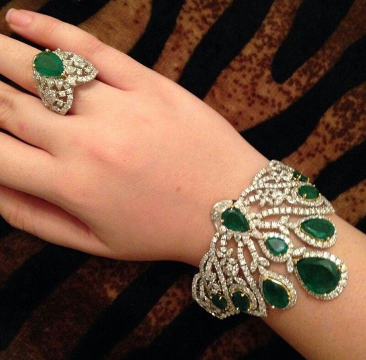 Lovely emerald set ~ Instagram