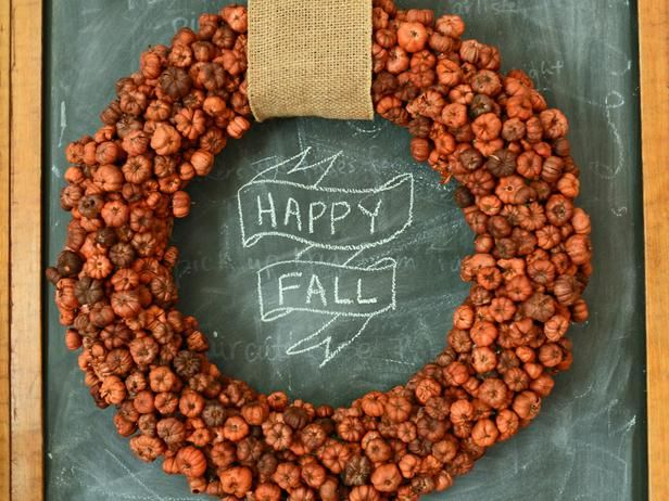 Make a Mini Pumpkin Wreath for Fall : Decorating : Home & Garden Television