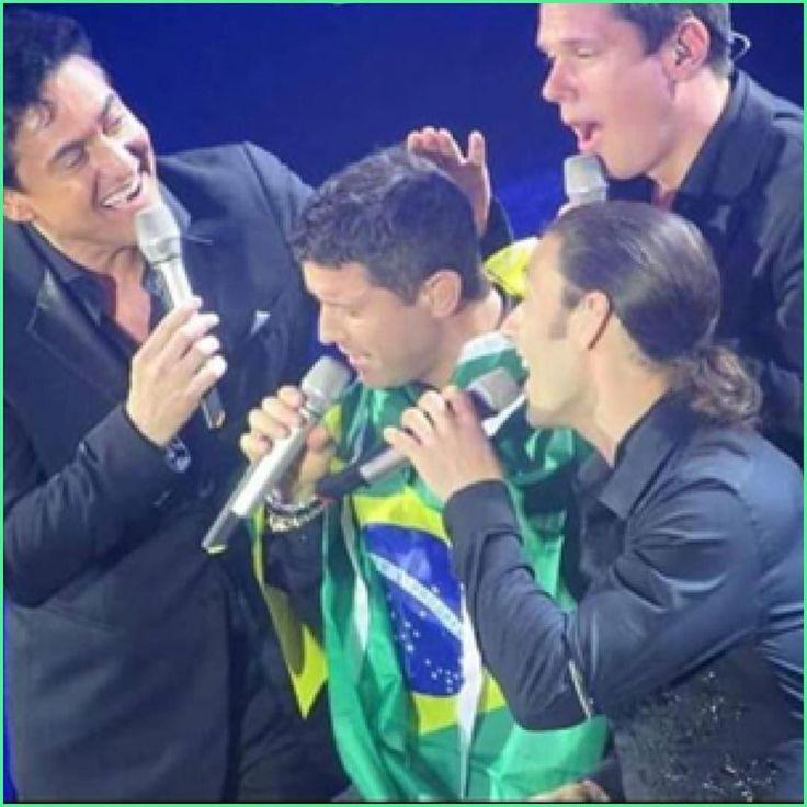 Some TLC for Séb from the guys and a Brazilian flag to keep him warm  bless Thanks @mafalda50 for sharing #sebsoloalbum #teamseb #sebdivo #sifcofficial #ildivofansforcharity #sebastien #izambard #sebastienizambard #ildivo #ildivoofficial #sebontour #singer #band #music #musician #concert #composer #producer #artist #french #handsome #france #instamusic #amazingmusic #amazingvoice #greatvoice #tenor #teamizambard