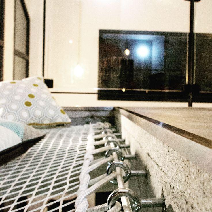 on craque pour un int rieur contemporain et chaleureux filet d 39 habitation blanc en mailles. Black Bedroom Furniture Sets. Home Design Ideas