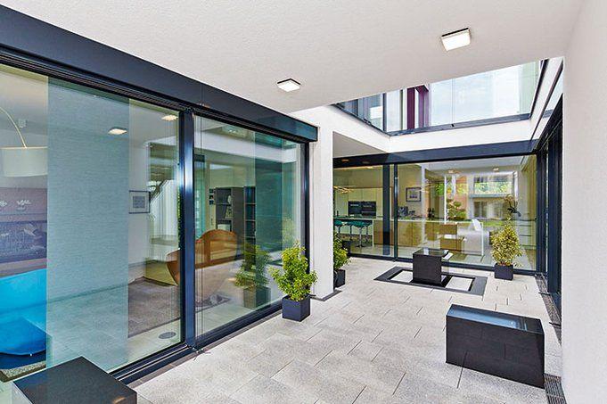 Neues Musterhaus Bad Vilbel / Einfamilienhaus Atrium - von OKAL | Haus & Bau | zuhause3.de