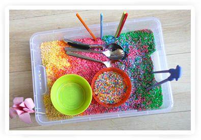 zelf rijst kleuren en ermee spelen