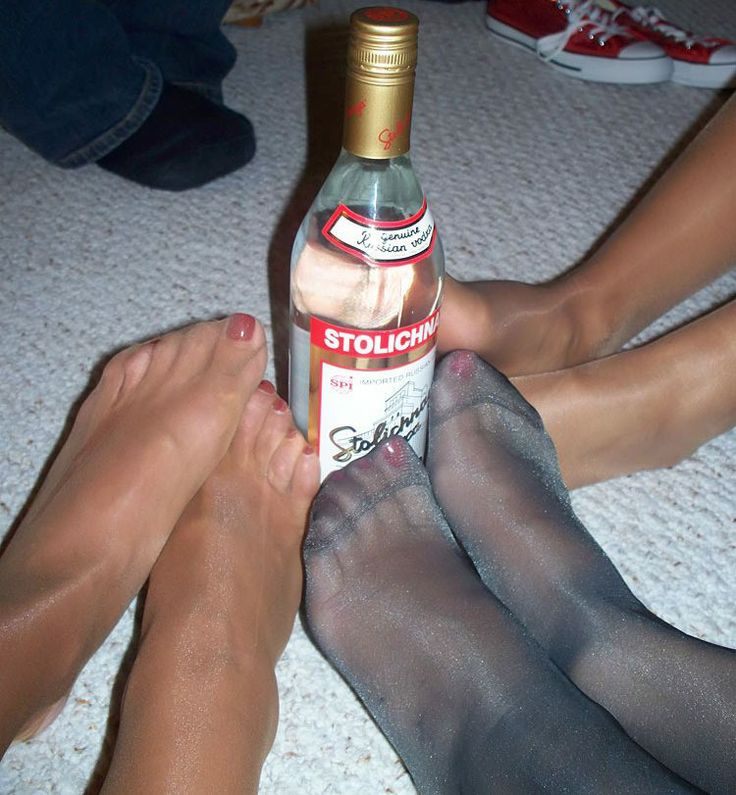 Cuckold pantyhose facesitting