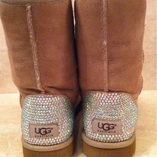Rhinestoned Uggs: Shoes, Fashion, Ugg Boots, Snow Boots, Bedazzled Uggs, Style, Sparkle, Christmas Gifts