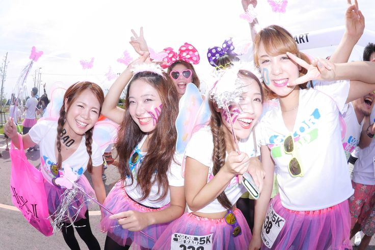Color Me Rad日本開催の動員人数、約5万人のうち、なんと7割以上が女性です!オシャレ好き、お祭り好き、アクティブな女子、みんな集まれ〜! Run & Color & EDM Festival & Cosplay girls (photo:mixtribe) https://www.facebook.com/ColorMeRadJapan/posts/699835936763969