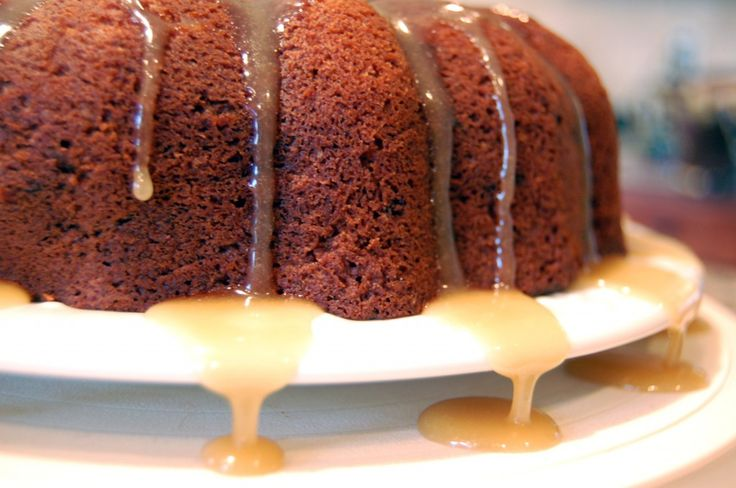 old fashioned spice cakeDesserts Cak, Autumn Spices, Cake Mixed, Fashion Spices, Caramel Glaze, Cake Caramel, Spices Cake, Fashion Cake, Cake Glaze