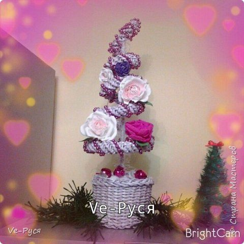 Поделка изделие Новый год Плетение Елка с цветами Бумага Бусины Фоамиран фом фото 1