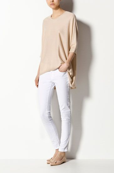 Absolutely perfect weekend wear. I adore white jeans and this is an effortless, easy way to wear them.
