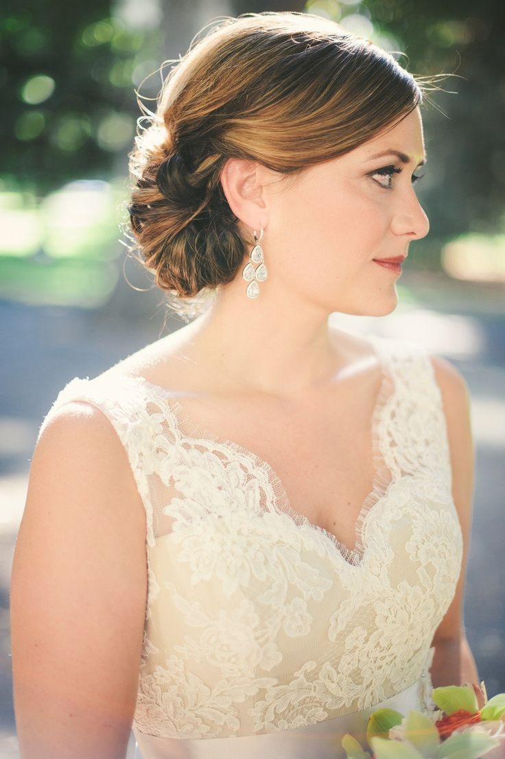 Side swept hair + lace. Photography By / sarahmaren.com, Event Planning + Design By / katemiller.com: Hair Photography, Art Museum, Bridesmaid Hair, Hairstyles Photography, Hair Wedding, Statement Earrings, Events Plans Design, Hair Style, Bride Hairstyles