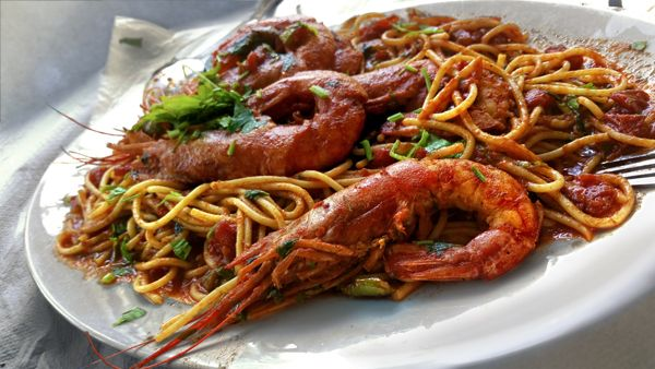Spaghetti with Shrimp and Tomato and Basil Sauce