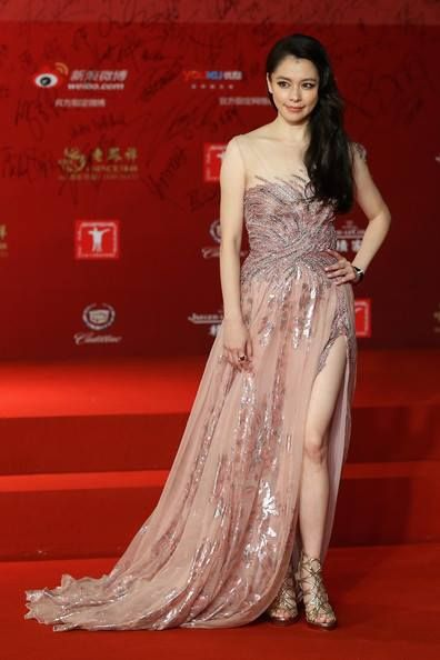 Taiwanese actress Vivian Hsu looked wonderful in an ethereal pink Tony Ward Haute Couture gown at the Shanghai International Film Festival!