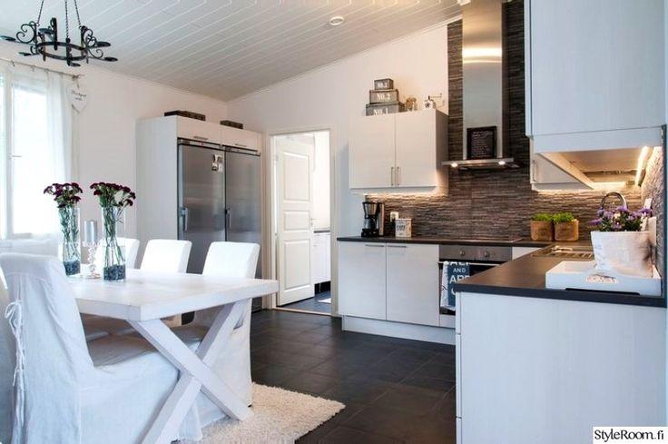moderni,keittiö,vaalea,säilytys,keittiön pikkutavarat,kodinkoneet