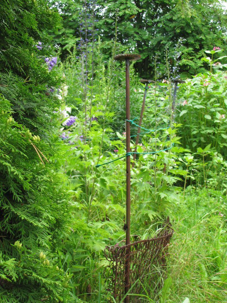 Romuromantiikkaa puutarhan laitamilla