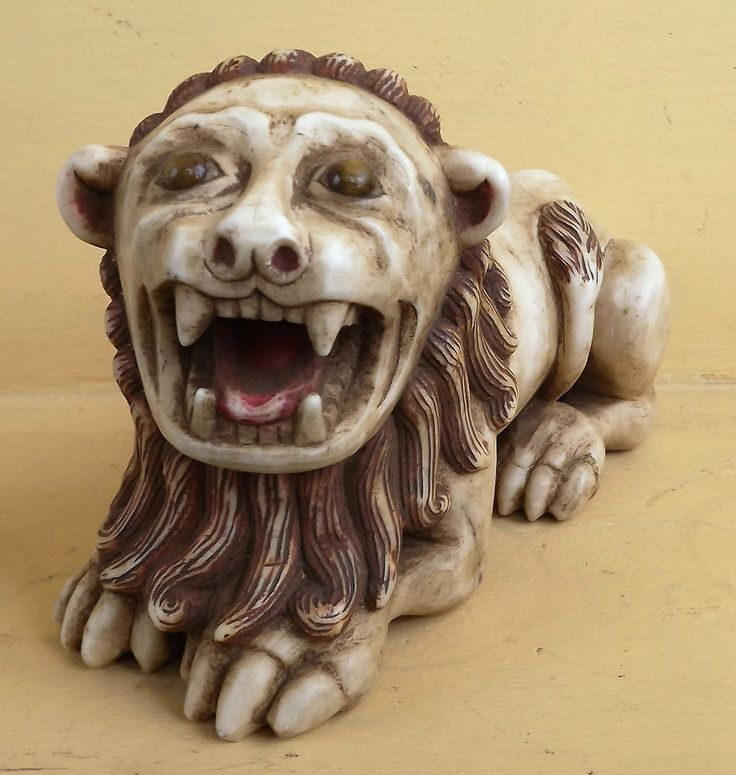 GENUINE COLONIAL LION ANDEAN  OF STONE ALABASTER POLYCHROMED  1850s