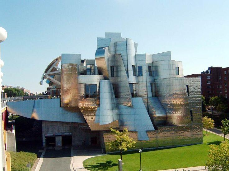 Frederick R. Weisman Art Museum, Minneapolis, Minnesota. By Frank Gerry.