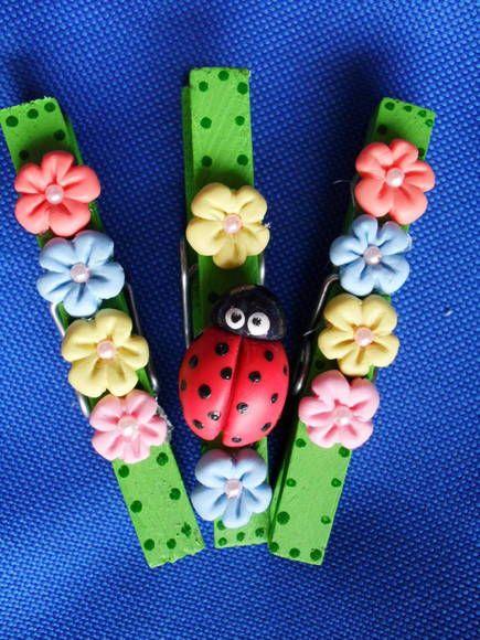 Lindos pregadores decorados com dvs temas flores, joaninhas, e coelhos