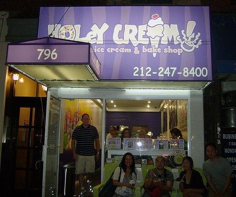 Holey Cream....CHLOE!!!! WE ARE GOING HERE SOMEDAY SOOOOOOOONNNNN!!!!!!!!!!!!!!!! WE HAVE TO GET THEIR DONUT ICE CREAM SANDWICH!!!!!!!!!!!! <3 <3 <3 <3 <3 <3