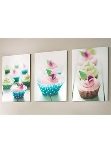 Put amazing cupcakes on your wall. These lovely tiles will sweeten your home. #cupcake #tiles #home #decoration