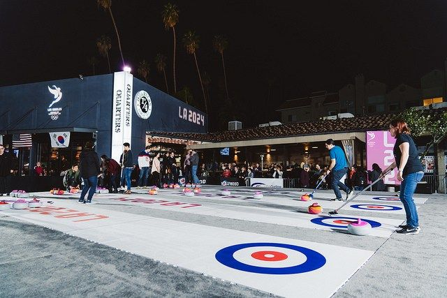 LA 2024 celebrates one-year to PyeongChang with curling and karaoke in Koreatown February 10, 2017 (LA 2024 Photo)