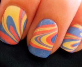Watermarble nagels