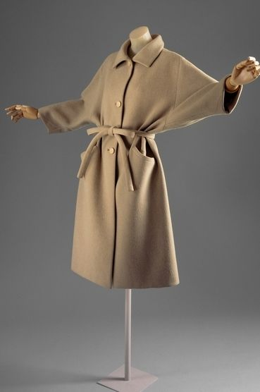 1961   Coat House of Balenciaga