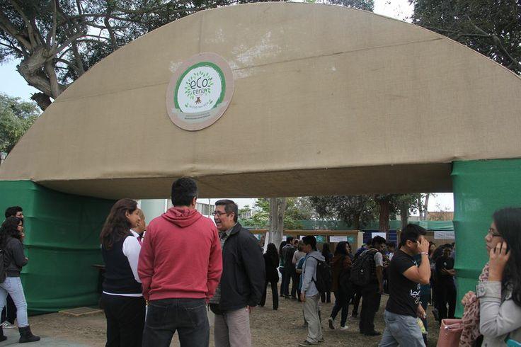 La  Eco Feria se realizó Pontificia Universidad Católica del Perú en donde estudiantes, docentes,periodistas y publico general  participaron de este evento.
