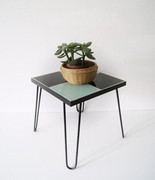 Vintage Hocker - Blumenhocker Metall gefliest 50er, Hocker Metall - ein Designerstück von mele-pele bei DaWanda