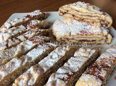 Il rotolo di pasta frolla è un dolce semplice da preparare, morbido e goloso da farcire a piacere con marmellata, crema pasticcera o nutella