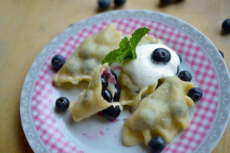 Easy to follow recipe for Polish pierogi, desert pierogie with blueberry. Polish summer dish---  blueberry pierogi(Pierogi z Jagodami)