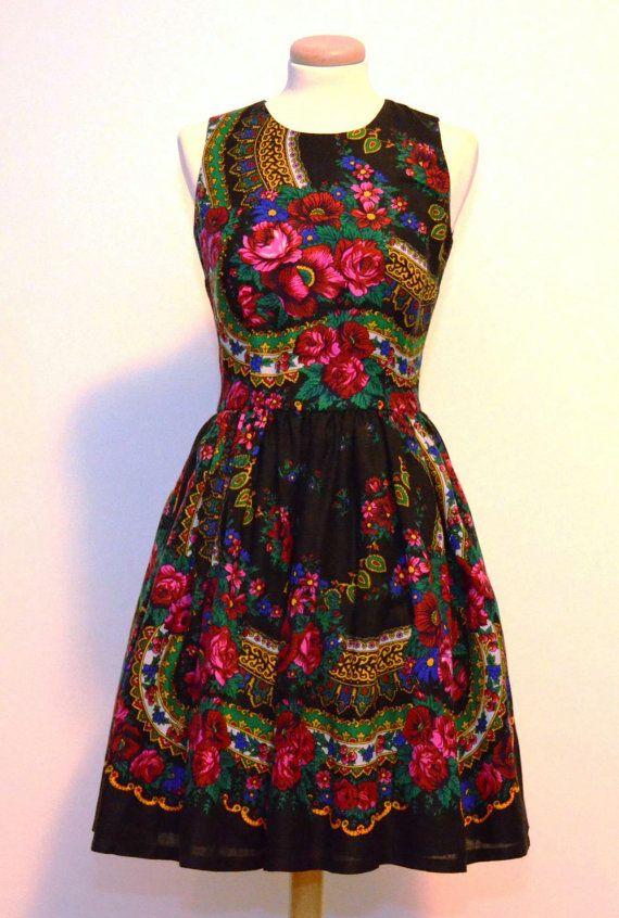 Zwart bloem jurk Pavlovo Folk bloem jurk Russische door YesADress