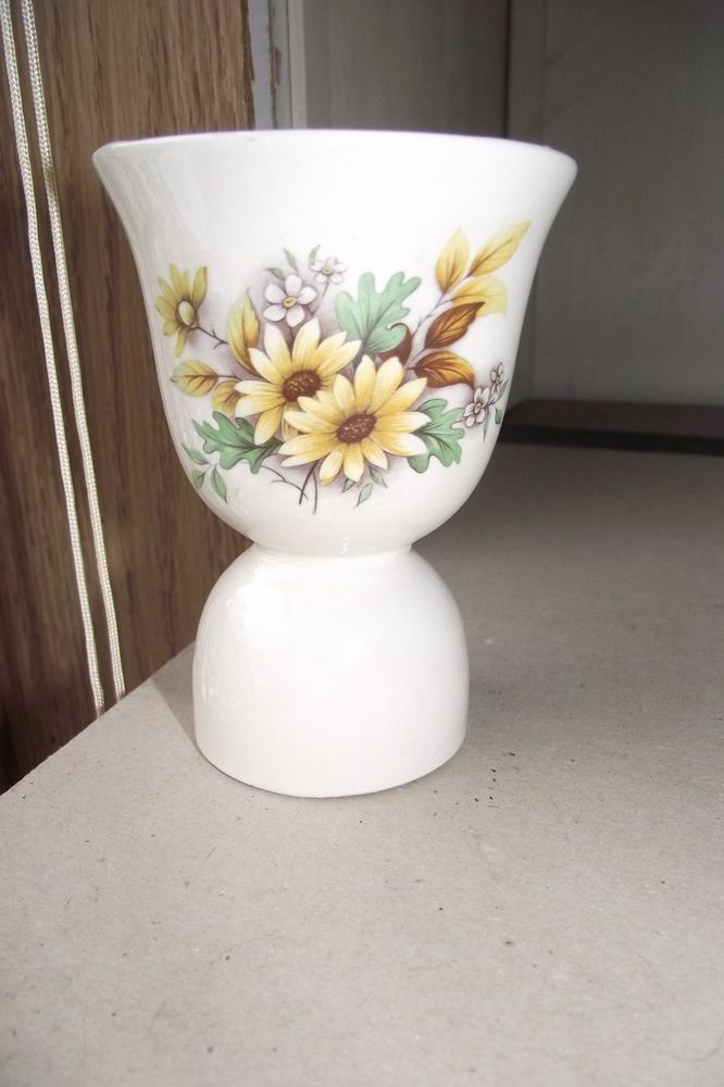 Ceramic Sunflower Egg Cup Holder Kitchen Decoration Collectible Home Garden Used