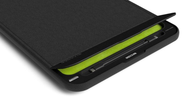 Incase IconConnected Power Sleeve for MacBook Pro: Protection and Charging