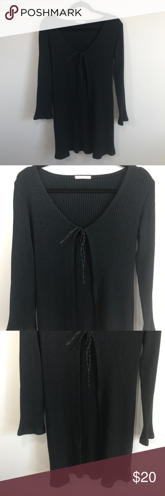 """Forever 21 Open Front Tie Long Sleeve Cardigan In excellent used condition. Ribbed. Long, covers butt. Ribbon tie on front. Can be worn open or tied. Very stretchy! Size S, no size tags so sizing is approximate! Please refer to measurements to ensure a proper fit! Pit to pit: 16"""" Length: 34"""" Forever 21 Sweaters Cardigans"""