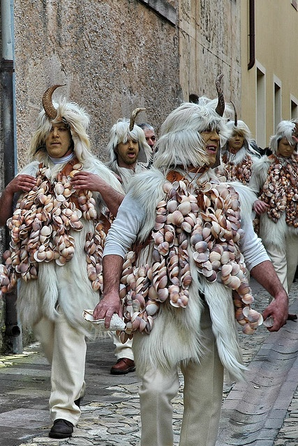 Carnevale di Cuglieri : Sos Cotzulados .#sardinia #carnival #travel
