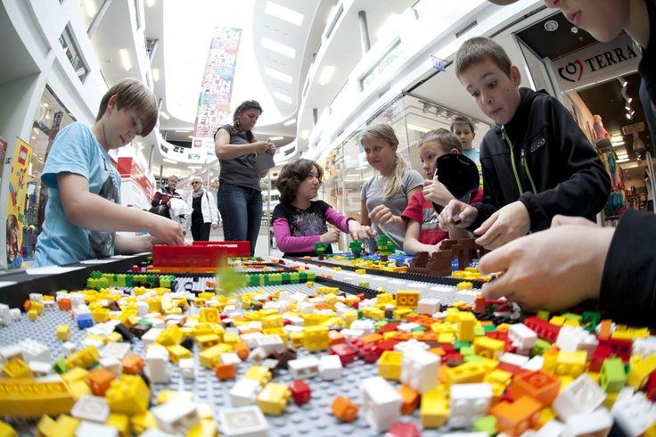 LEGO film clappeboard.