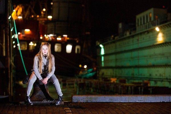 kinderfotografie, Rottterdam, haven, trein, nacht, schip, meisjes, fotoshoot, childphotography, girl, night, train, port