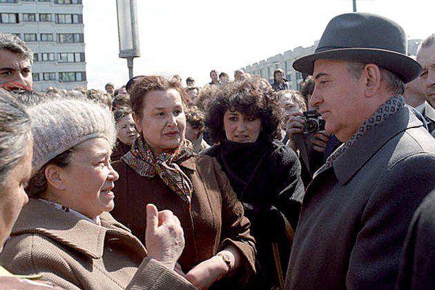 El 2 de Marzo fueron los cumpleaños de Sholem Aleijem y de Gorbachov uno de los líderes mundiales con más impacto en el judaísmo contemporáneo - http://diariojudio.com/opinion/el-2-de-marzo-fueron-los-cumpleanos-de-sholem-aleijem-y-de-gorbachov-uno-de-los-lideres-mundiales-con-mas-impacto-en-el-judaismo-contemporaneo/162936/