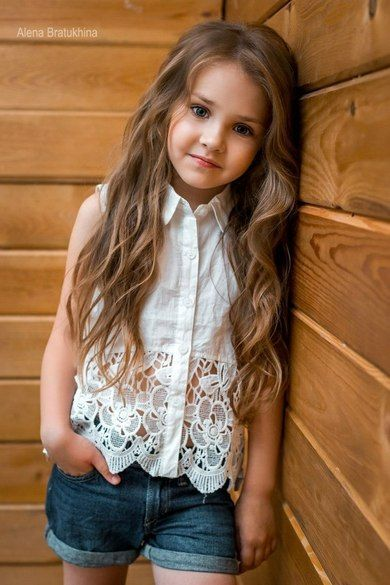 Umm pretty sure this shirt is on a kid but I want it for ME lol. Lacy button up top