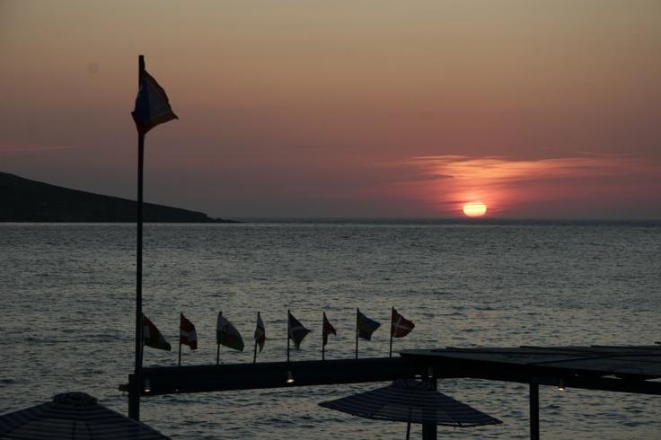 """""""Kantouni Beach"""" hotel -sunset"""