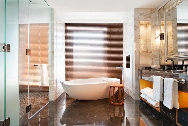 The St. Regis Osaka - Royal Suite - Bathroom - Japan & Luxury Travel Advisor – luxurytraveltojapan.com - #Luxuryhotels #Osaka #Japan #Japantravel #stregisosaka