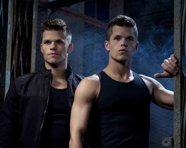 But you also might recognize them as alpha twins Aiden and Ethan on Teen Wolf… | Max And Charlie Carver Are Basically The Hottest Twins On TV