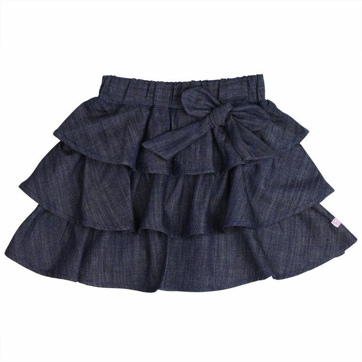 Bebé de la escuela en falda 9