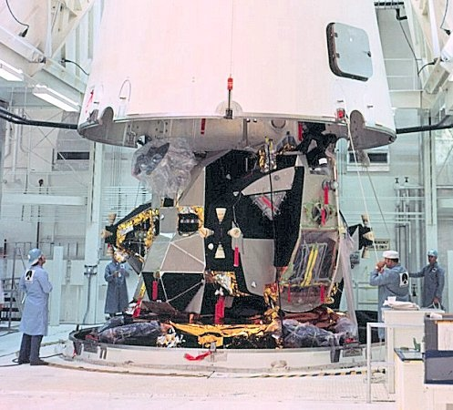 Lm Being Installed In Saturn V Space Pinterest
