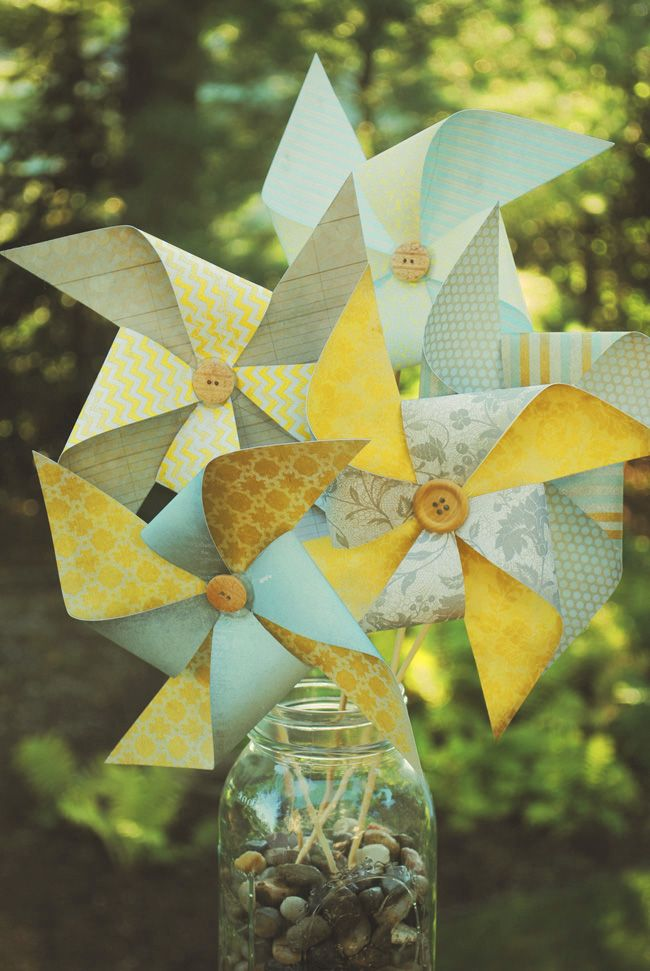 DIY Pinwheel Bouquet - do in fall colors and put in mason jar for centerpieces at fall event