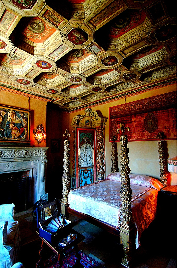 Bedroom, Hearst Castle, San Simeon, California
