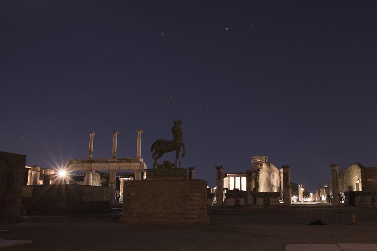 Pompei sotto le stelle   © Anna Monaco (@annafdf) - @Campaniasuweb