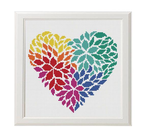 Als ich beschloss, dies zu einem Muster? Meine Lieblings-Blume Aster und helle Farben Muster Federn. Und voila! Muster In Ihrem Herzen lebt Liebe ist bereit! Siehe Musterfedern: https://www.etsy.com/listing/400657315 ✽ Musterdetails ✽ PDF Muster Stitches: 98 X 89 Fabric: Aida 14,