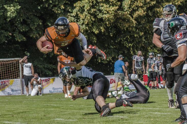 Endspurt in der American Football Saison 2014! Am Samstag (6. September) treten die Osnabrück Tigers zu ihrem letzten Auswärtsspiel in der regulären Spielzeit an. In Hannover lautet die Mission, bei den Arminia Spartans die perfekte Saison fortzuführen.